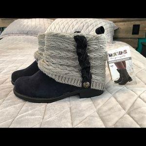NWT Mukluks women's boot